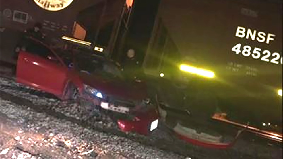 Suspected DUI driver takes off on foot after train hits his car & Suspected DUI driver takes off on foot after train hits his car | KOMO azcodes.com