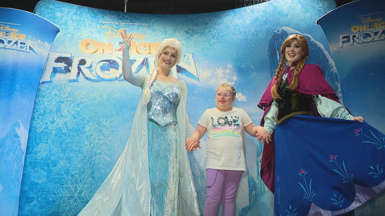 Emmy Sheldon got the opportunity to meet Elsa and Anna from Disney's Frozen on Ice on Thursday. (WSYX/WTTE)