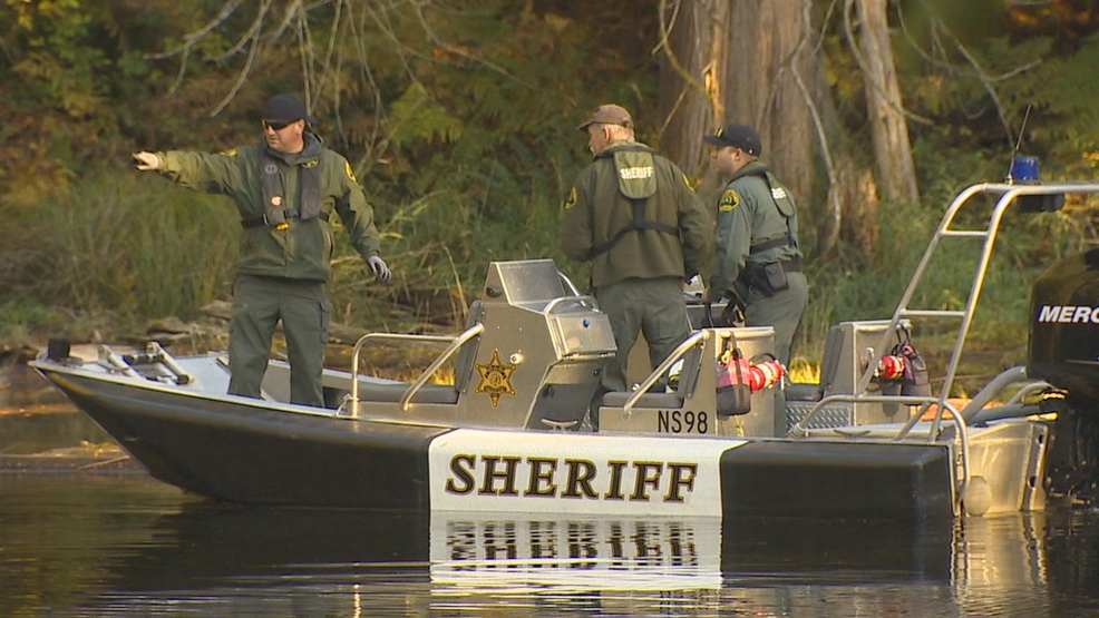 komo 4 helicopter crash with Two Injured After Helicopter Crashes Into Lake on 24938871 further 4 Injured As Helicopter Crash Lands On Los Angeles Street further Index together with Witnesses Report Military Helicopter Crashes On Golf Course In Maryland in addition Helicopter crashes in downtown seattle.