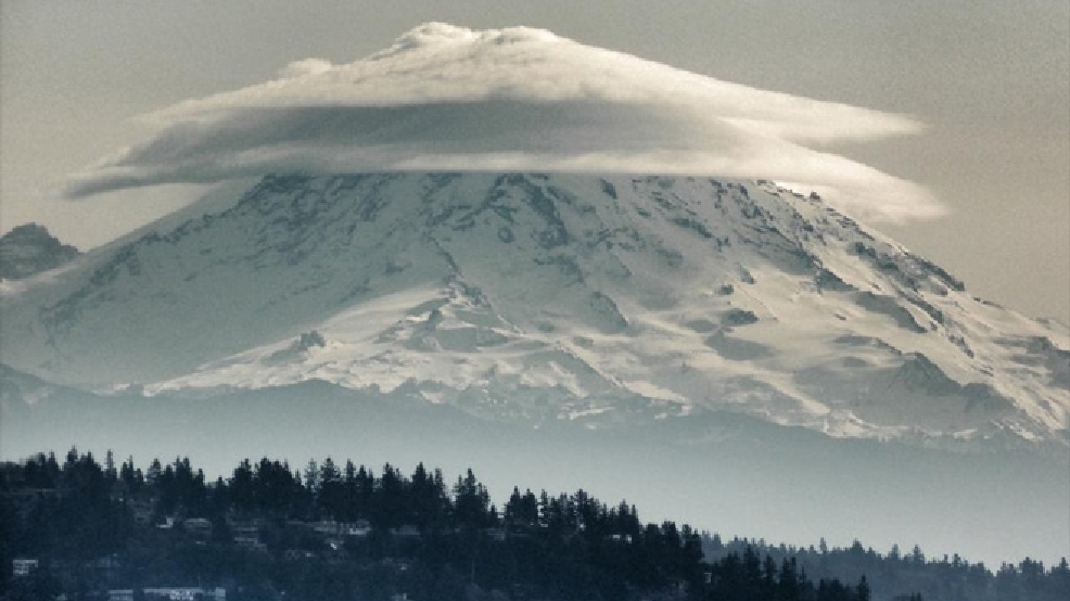 13 FEET of snow, 65 mph winds -- just another day atop Mt. Rainier