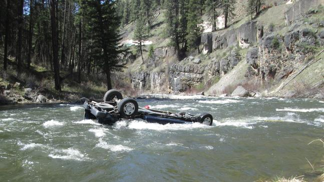 Man found dead in pickup upside down in Oregon river after crash off cliff