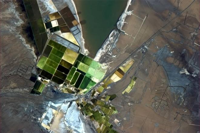 Dip your brush, paint something from this Chinese mining town's palette. (Photo & Caption: Col. Chris Hadfield, NASA)