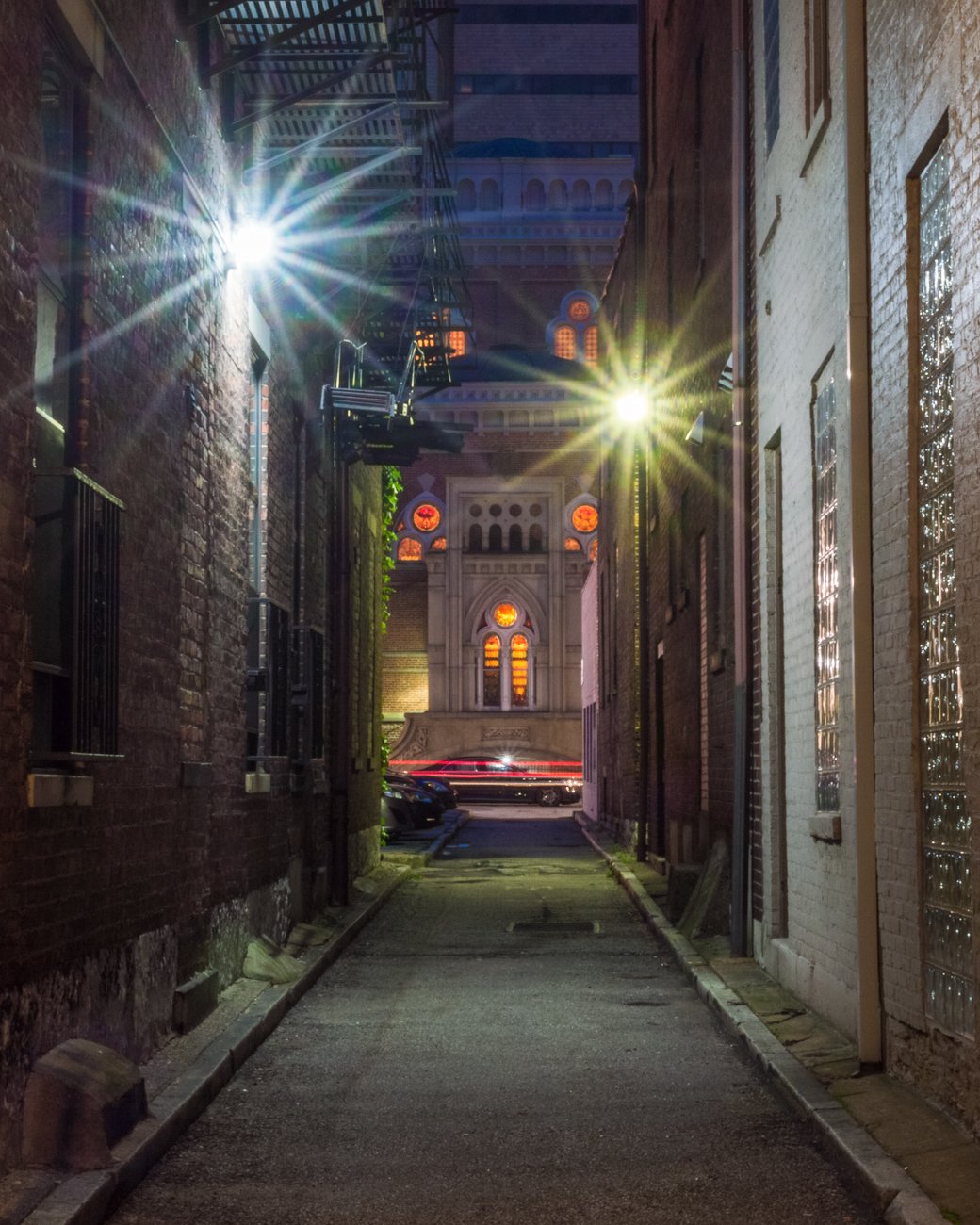 NAME: Watts Alley / CONNECTS: 8th Street to Richmond Street / NEIGHBORHOOD: Downtown / Image: Phil Armstrong, Cincinnati Refined