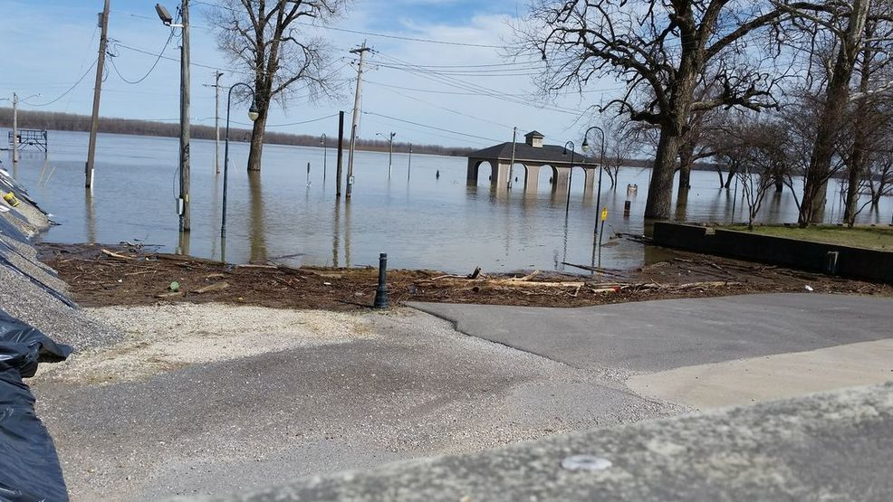 Flooding in Caruthersville closes bus stops (CNEWS, KFVS).jpg