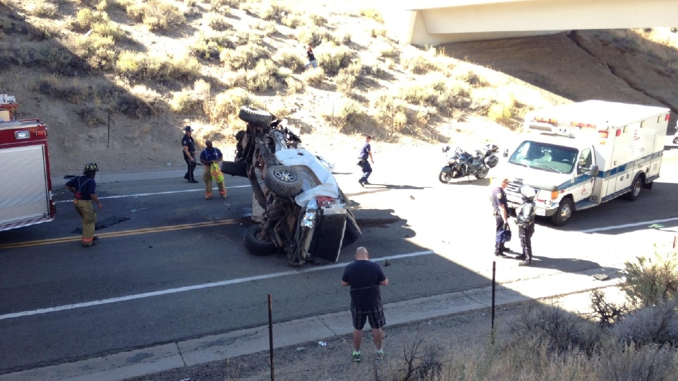 Reno PD: Truck goes off US 395, ends up on road below